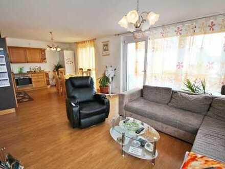 Neuwertige 4-Zimmer-Wohnung mit Balkon in Obertraubling! Frei ab sofort!