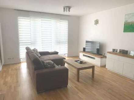 Helle, geräumige 2-Zimmer-Wohnung mit Balkon und Einbauküche