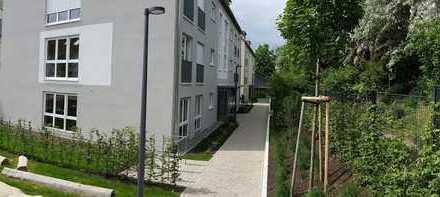Helle EG-Wohnung mit offener Küche & Terrasse