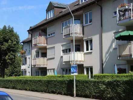 Neu erstellte, große 5-Raum-Wohnung mit Balkon und 2 Bädern im Dachgeschoß