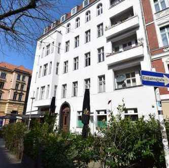 Vermietete 4 Zimmer Altbau-ETW in bester Schöneberger-Kiezlage als Kapitalanlage!