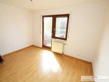 1 Zimmer Wohnung 20 m² mit Bad und Pantryküche in zentraler Lage Nähe S- Bahn- Haltestelle
