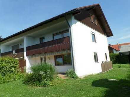 große Doppelhaushälfte mit zusätzlicher Wohnung unterm Dach