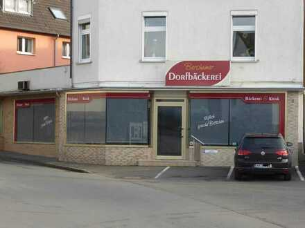 !Hier werde ich gesehen! Ladenlokal mit 11m Schaufensterfront NULL-Provision in Berchum zu vermieten