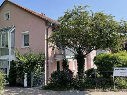 Vollständig renovierte EG-Wohnung mit zwei Zimmern und Terrasse in Aalen-Fachsenfeld