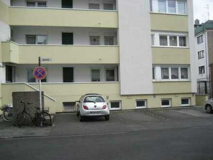 Individuelle City-Wohnung mit Minigarten