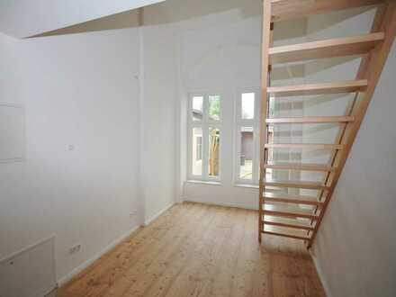 Einraum-Wohnung mit Hochbett ggü HNE