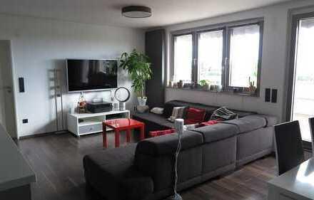 zentrale Penthouse Wohnung in traumhafter Lage mit 3,5 Zimmern und Ankleide