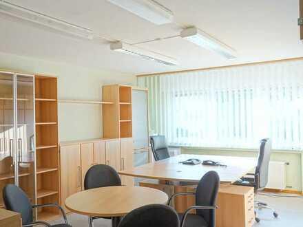 Ruhig gelegene EG-Büroeinheit, Möblierung möglich