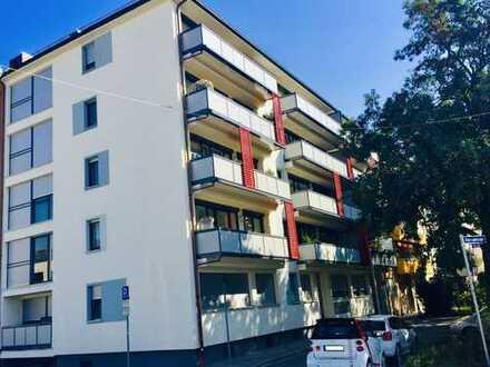 Kernsanierte großzügige 3-Zimmer-Wohnung mit großem Südbalkon!