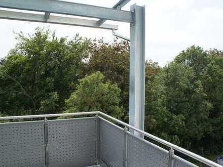 ...Erstbezug - 3-Zimmer-Wohnung mit hochwertiger EBK und 12m² überdachtem Balkon...