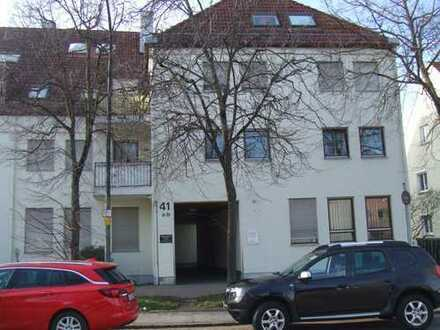 Gepflegte Büro/Praxis-Räume, gut vermietet