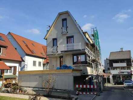 Modernes Stadthaus im Zentrum von Holzgerlingen (Neubau / Erstbezug, 122 m2, 5,5 Zimmer, 1750 Euro)