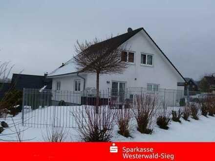 Einfamilienhaus mit schöner ELW in ruhiger Wohnlage.