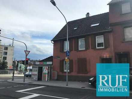 3 Familienhaus mit Gewerbeeinheit - lukrative Kapitalanlage in Brötzingen