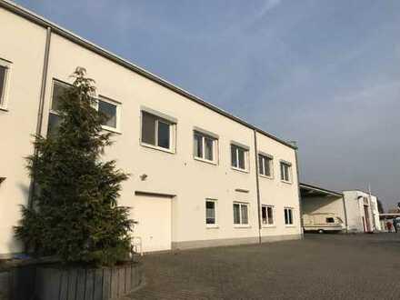 Halle (ca.1.185 m²) mit Bürofläche (ca. 340 m²) u. großer Freifläche (bebaubar) in 56626 Andernach