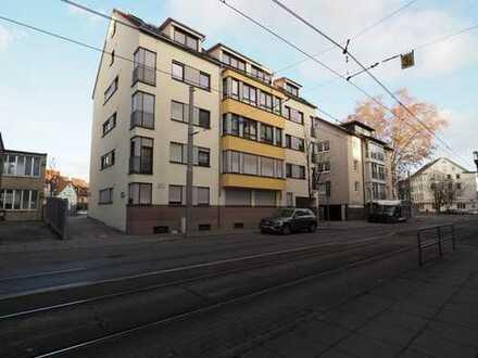 Neuwertige 4-Zimmer-Wohnung mit EBK & Balkon, Nahe Wilhelmplatz