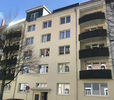 Neubau Penthouse in der List mit großer Loggia, WG geeignet!