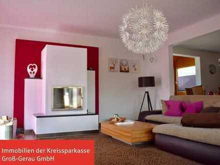 **Phantastische Erdgeschosswohnung mit großem Grundstück, Kamin und Pool in toller Wohnlage**