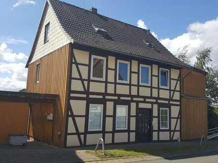 Seltene Gelegenheit! Altbau Mehrfamilienhaus mit angrenzender Wiese - nicht erschlossenes Bauland