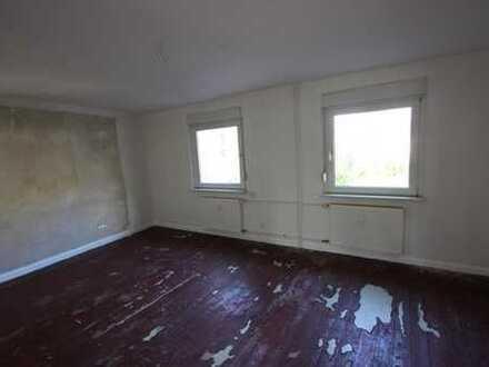 Helle & attraktiv geschnittene 3 Zimmer Wohnung am Rande der Dinslakener City -1 Grundmiete frei !