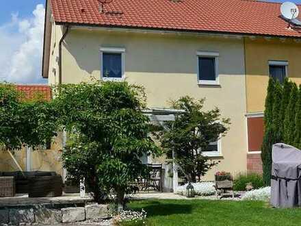 Traumhafte Doppelhaushälfte mit hochwertiger Ausstattung in Gersthofen