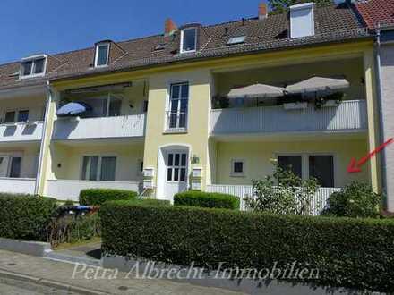 Bremen-Gröpelingen. 2 - Zi. - Wohnung mit Balkon in einem gepflegten 4-Parteienhaus