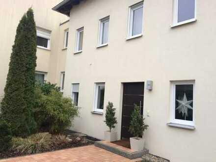 Schmuckstück: charmantes und lichtdurchflutetes Stadthaus in Herzogenaurach - Niederndorf