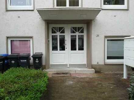 schicke 4-5 Zimmer Altbauwohnung mit großer Terrasse