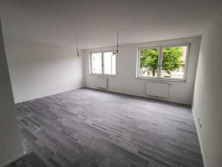 Erstbezug nach Renovierung....schicke 2,5 Zimmer Wohnung im EG