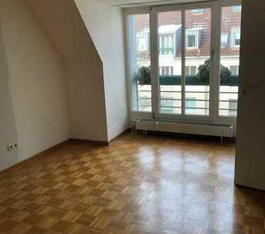 Sehr schöne 2-Raum Wohnung mit großzügiger Fläche