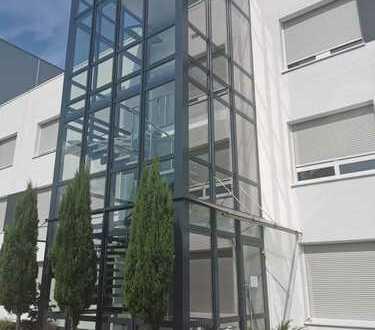 Moderne, neuwertige Büroflächen ab ca. 40m² -240m² im Rheinau Hafen