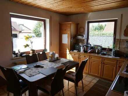 Großzügige 5-Zimmer-EG-Wohnung mit Terrasse und Garten in Neuburg an der Donau / OT Marienheim