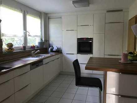 WG Zimmer in modernen DHH mit Bad und Küche Nutzung inkl. 1 Zimmer in Keller und Garten
