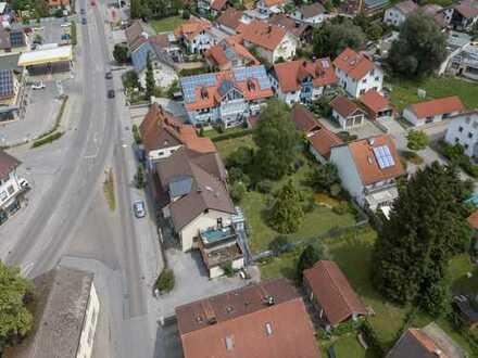 Großes Wohnhaus PLUS Baugrundstück - Kaufpreis auf Anfrage