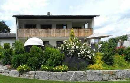 *** NEU *** EXKLUSIV *** Familienhaus mit romantischem Garten in bester Lage in Massing sucht Sie