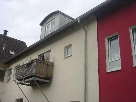 Modernisierte Maisonette-Wohnung mit drei Zimmern und Balkon in Annweiler am Trifels