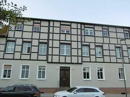 Zentral gelegene 3-Zimmer-Wohnung mit Einbauküche und Pkw-Stellplatz in Kyritz