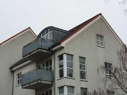 Werder - INSELNAH: sonnige 2 Zimmer-DG Wohnung mit Westbalkon