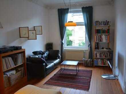Schöne 4,5-Zimmer-Altbauwohnung mit Balkon und Stuck zur Untermiete/möbeliert (1.9.19-31.7.20)