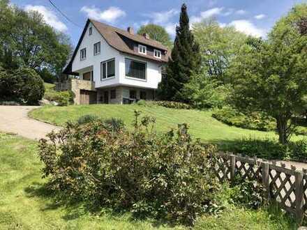 Idyllisches Einfamilienhaus mit über 25 ar Grundstücksfläche