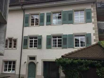 Attraktive 4-Raum-Wohnung mit Wohnküche, großzügiger Diele und Balkon in Waldshut (Kreis)