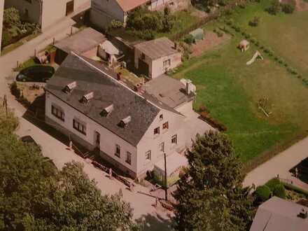 Einfamilienhaus mit viel Potential in Pausa!