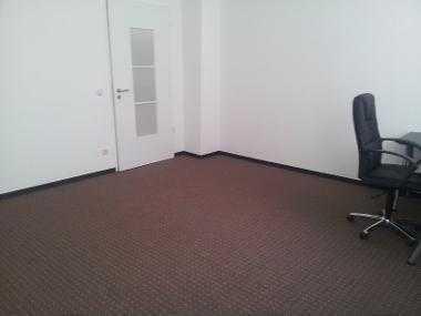 helles, quadratisches 22qm Zimmer in SUPER-WG!! vollausgestattet