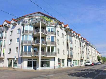 Schöne Wohnung mit Balkon und Laminatboden