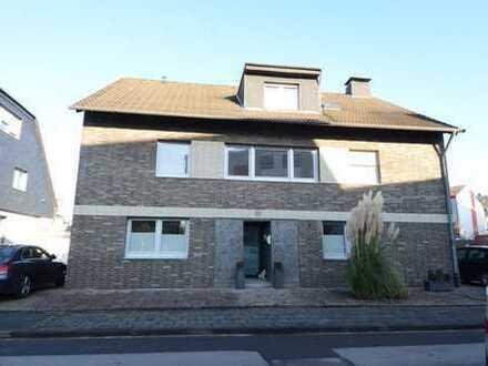 Große Familienwohnung mit tollem Grundriss, Balkon & Garage in guter Lage