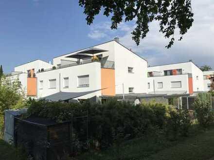Exklusive Doppelhaushälfte in Toplage mitten in Neusäß Steppach