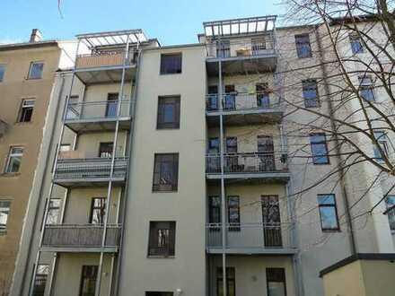 Helle 3-Zimmer-Wohnung im denkmalgeschützten Altbau zur Selbstnutzung oder als Kapitalanlage!