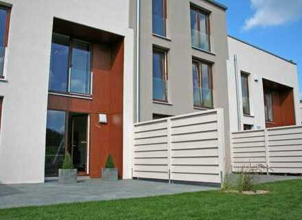 Vermietung: 5-Zimmer-Stadthaus mit Dachterrasse zur Weser! Keine Vermittlungsprovision!