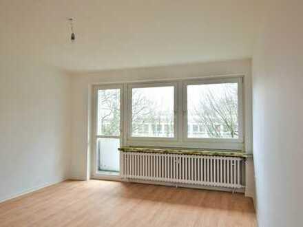 **Erstbezug nach Komplettsanierung- 3 Zimmer Wohnung mit Balkon**